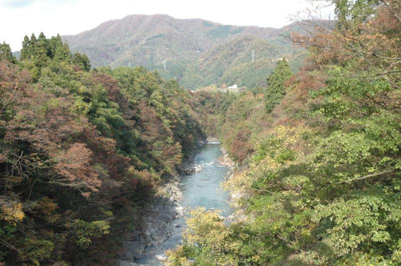 手取峡谷(てどりがわきょうこく)の素晴らしい紅葉の景色