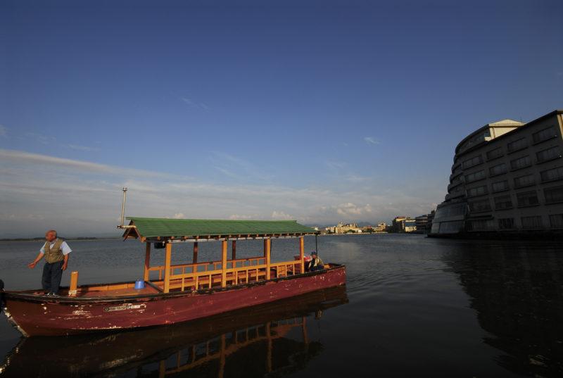 柴山潟 屋形船
