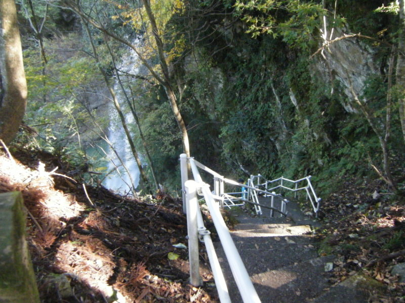 手取峡谷 綿が滝の階段