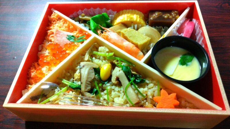 【秋日和】松茸ごはんと鮭いくらごはん